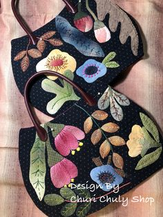 Applique By Churi Chuly Shop Wool Applique Patterns, Applique Quilts, Applique Designs, Patchwork Bags, Quilted Bag, Japanese Bag, Embroidery Bags, Pouch Pattern, Fabric Bags