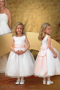 wealdress as an UK professional manufacturer online for Custom-Manual Cheap Wedding Dresses, Prom Dresses uk, Evening Gowns and bridesmaid dresses! Girls Dresses Online, Bridal Dresses Online, Pageant Dresses, Dresses Uk, Ball Dresses, Ball Gowns, Bride Dresses, Dress Online, Cheap Wedding Dress