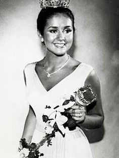 September 6, 1975:  WIth her crown and sceptre, Tawny Godin of Saratoga Springs, New York, poses shortly after winning the Miss America Pageant.  A pianist, Tawny was born in 1956.
