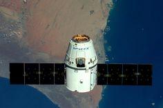 Космическому кораблю SpaceX Dragon не удалось состыковаться с МКС