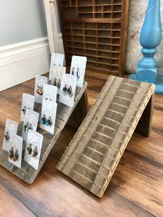 Earring Display Stands, Necklace Display, Necklace Hanger, Karten Display, Weathered Wood Stain, Jewelry Booth, Jewellery Stand, Jewelry Sets, Kids Jewelry
