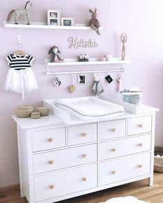 Wickelaufsatz Basic in weiß für IKEA Hemnes/Songesand Kommode - Baby Dresser, Nursery Dresser, Girl Nursery, Girl Room, Baby Boy Rooms, Baby Bedroom, Baby Room Decor, Ikea Baby Room, Ikea Baby Nursery