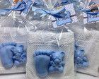 Toalhinha com Pezinho e ursinho Soap Packaging, Packaging Design, Baby Favors, Baby Shawer, Brown Nails, Soap Making, Baby Shower Gifts, How To Make, Handmade