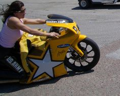 Angelle Sampey Houston 2005 by KissOff, via Flickr Nhra Drag Racing, Drag Bike, Biker Chic, Motorcycle Art, Lady Biker, Drag Cars, Race Day, Cool Bikes, Houston