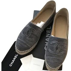 51d393847326 Pre-owned Chanel Grey Espadrilles Flats (2.597.200 COP) ❤ liked on Polyvore  featuring shoes