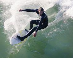 El neopreno, un gran invento californiano, que empezó a comercializarse entre 1950 y 1960, ha sido el gran responsable de la expansión del surf, ya que dejó de ser un deporte estacional y geográficamente limitado. #surf #neopreno #deporte #extremo #xports