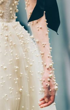 Reem Acra the allure of glamour Couture Details, Fashion Details, Fashion Design, Couture Mode, Couture Fashion, Bridal Fashion, Fashion Fashion, Runway Fashion, Latest Fashion