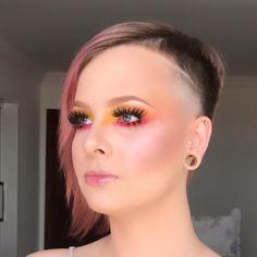 """Torriton Beauty & Hair no Instagram: """"Combinação de cores perfeita 😉 ⠀ Maquiagem por @lucicalldas ⠀⠀ ⠀ Agende seu horário: 📍Pres. Taunay, 321: (41)3091-8686 📍Pátio Batel, L2:…"""" Hair Beauty, Jewelry, Instagram, Pith Perfect, Make Up, Colors, Jewlery, Bijoux, Jewerly"""
