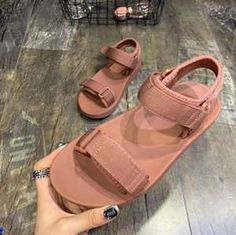 Womens Sandals - Choosing The Right Shoes - Some Tips And Advice Platform Sandals Chunky, Chunky Shoes, Leather Sandals, Cheap Womens Sandals, Womens Summer Shoes, Adidas Sandals, Sandals Outfit, Beach Sandals, Beach Shoes