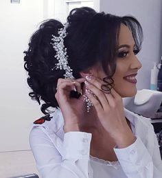 Fabulous Bridal Tiara, Wedding Tiara, Bridal Headpiece, Wedding Hair Accessory, Bridal Jewelry, Hair Accessory, Pearl Tiara, Silver Wreath