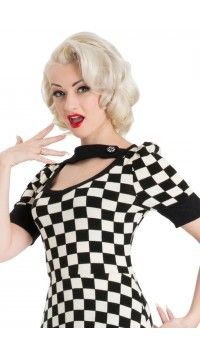 Get their motoring running with the rockabilly Racing Checkered Top! Vintage Inspired Fashion, 1960s Fashion, Love Fashion, Fashion Beauty, Vintage Fashion, 50s Outfits, Rockabilly Outfits, Vintage Outfits, Fashion Outfits