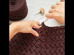 Плетеный узор для вязания ковров и корзин крючком из трикотажной пряжи.