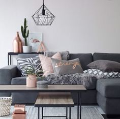 Bilder från Pinterest Älskar verkligen grått, ljus/blush rosa och koppar när det gäller inredning. Detta är bra inspirationsbilder nu när jag håller på att gör