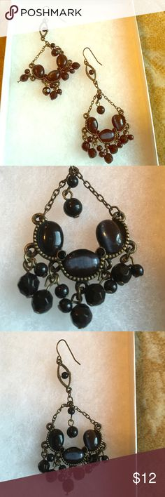 Gorgeous black chandelier drop earrings Make a statement with these gorgeous black chandelier drop earrings! Coming from a smoke and pet-free environment. Very unique! Jewelry Earrings