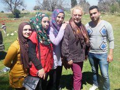 Avustustyöntekijämme Päivi Hieta kertoo, kuinka Pelastakaa Lapset auttaa Syyrian sotaa paenneita ihmisiä Libanonissa. http://www.pelastakaalapset.fi/ajankohtaista/uutiset/?x22896=1766696    Kuvassa Päivi yhdessä kouluttamiemme vertaisohjaajien kanssa.