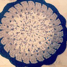 Alfombra de trapillo hecha para mi abuela Cande! Y le ha encantado! Trapillo, crochet XXL