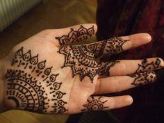 50 Intricate Henna Tattoo Designs | Cuded