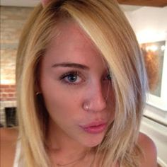 Hollywood's Most Beautiful Beauties: Miley Cyrus - Blonde Hair