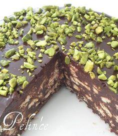 çikolata soslu mozaik pasta - pelince.com Greek Dishes, Sweet Cakes, Turkish Recipes, Healthy Dessert Recipes, No Bake Desserts, Cake Recipes, Breakfast Recipes, Delicious Desserts, Turkish Kitchen
