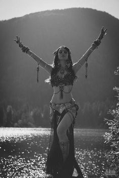 Hypnotic Voodoo Beats http://thenakedraver.com/wp-content/uploads/2014/11/dance.jpg