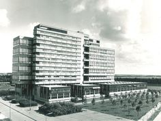 Van den Broek en Bakema -- Bouwkunde Delft ...snik...