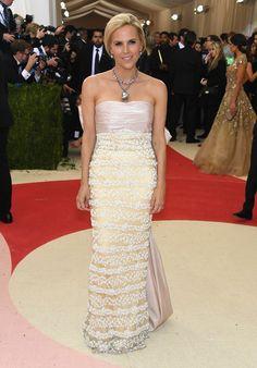 9adc41a03619 Um giro pelo tapete vermelho do gala do MET. Gala Dresses 2016Red Carpet ...
