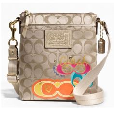 """Coach Daisy Pop C Appliqué Swingpack Crossbody Coach CrossBody Bag NWOT. Signature line, style #F48076. Pop C fabric with trim and Daisy appliqué. Zip top closure, fabric lined. Outside open pocket. Adjustable strap. 7 1/2"""" (L) X 8 1/2"""" (H). Perfect size for outings! It was a gift and the tags were removed but it has never been carried. Perfect condition! PRICE IS FIRM unless bundled. Please don't ask on this one! Coach Bags Crossbody Bags"""