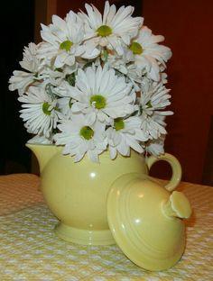 Fiesta® Teapot flower arrangement.