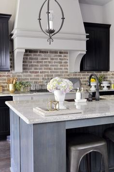 The brick backsplash is perfect for this farmhouse style kitchen! Kitchen Inspirations, Home Decor Kitchen, Popular Kitchen Colors, Farmhouse Kitchen Colors, Farmhouse Kitchen Backsplash, Kitchen Remodel, Kitchen Decor, Modern Kitchen, Kitchen Remodel Small