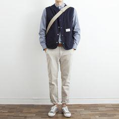 Mens Fashion Winter – The World of Mens Fashion Most Stylish Men, Stylish Mens Fashion, Korean Fashion Men, Urban Minimalist Fashion, Minimal Fashion, Fashion Essentials, Streetwear Fashion, Daily Fashion, Menswear