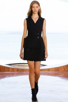 http://www.style.com/slideshows/fashion-shows/resort-2016/christian-dior/collection/46
