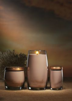 Pure Radiance™ by Yankee Candle® in new Beachfront™ fragrance. Comfortable. Fashionable. Distinctive.