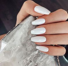 Much like a great nude shade, white nail polish seamlessly goes with every outfit, is perfect for any occasion, and complements all skin tones. White nail polish suits all skin tones and looks gorgeous in the summer! White Acrylic Nails, White Nail Polish, Best Acrylic Nails, White Nails, White Chrome Nails, Black Nail, Aycrlic Nails, Pink Nails, Coffin Nails
