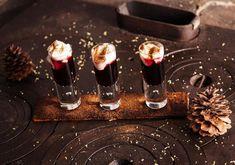 Hot Shots på glögg av Per Morberg Christmas Shots, Christmas Drinks, Christmas Goodies, Christmas Treats, No Bake Desserts, Dessert Recipes, Hot Shots, Ginger Ale, Baking Recipes