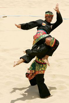 pencak silat, very gracious but also very tough-Indonesian-full contact sport, I am is pencak silat atlet