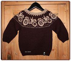 Hjerte GO`H Design: Barnegenser med rundfelling H Design, Ravelry, Christmas Sweaters, Knit Crochet, Baby Boy, Barn, Knitting, Blouse, Tops