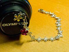 レンズキャップストラップ|カフェ・オ・レtime Blog Entry, Charmed, Bracelets, Jewelry, Jewlery, Jewerly, Schmuck, Jewels, Jewelery