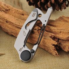 Multi Tool EDC Kit Carabiner Keychain Stainless Steel Key Chain Clip Silver Hiking Climbing Hanger Buckle Outdoor Tool Silver
