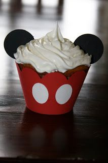 Cricut Crazy: Mickey Mouse Cupcakes
