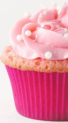 Pink Champagne and Raspberry Cupcakes