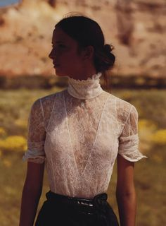 # vogue Fashion Waleska Gorczevski Channels O'Keeffe In Will Davidson Images For Vogue Australia October 2015 — Anne of Carversville Modern Victorian Fashion, Modern Fashion, Fashion Design, Feminine Fashion, Victorian Outfits, Luxury Fashion, Feminine Tomboy, Mode Glamour, Mode Editorials