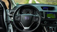The CR-V steering-wheel and navigation from Garmin