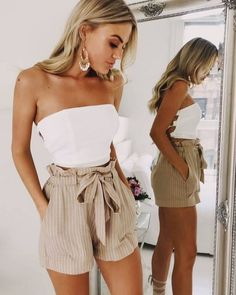 13+ Cute Jumpsuit Ideas Summer Outfits   - Mode - #Cute #Ideas #Jumpsuit #mode #Outfits #Summer Outfit Con Short, Short Outfits, Unique Outfits, Cute Shorts Outfits, Edgy Outfits, Semi Formal Outfits, Black Outfits, Cute Girl Outfits, Hippie Outfits