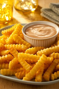 Easy Idaho Fry Sauce – Making your own custom-blended fry sauce is easy! Try this one on your family's favorite steak fries, and have the recipe handy. Folks will ask for it! Sauce Recipes, Cooking Recipes, Dip Recipes, Recipies, Kraft Recipes, Kraft Foods, Low Sodium Recipes, Fry Sauce, Homemade Sauce