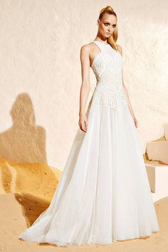 Zuhair Murad Resort 2015 Fashion Show Collection: See the complete Zuhair Murad Resort 2015 collection. Look 30 Event Dresses, Casual Dresses, Fashion Dresses, Ivana Trump, Costura Fashion, Vestido Casual, Used Wedding Dresses, White Gowns, Models