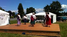 Ferla Mor devised by John Drewry, and perfomed by the Skagit Scottish Country Dancers at the 2011 Skagit Valley Highland Games. Country Tanz, Friday Dance, Highland Games, Dance Videos, Dancers, Youtube, Workshop, Atelier, Dancer