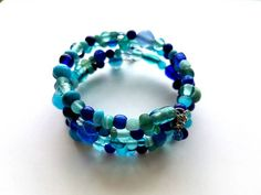Hey, I found this really awesome Etsy listing at https://www.etsy.com/listing/385394058/memory-wire-bracelet-with-shades-of-blue