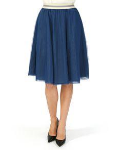 Плиссированная #юбка на резинке из коллекции #Merci. Благодаря универсальной длине – миди и классическому синему цвету сочетается с одеждой любого стиля: спортивного, романтического, casual. Catalog, Midi Skirt, Skirts, Fashion, Moda, Fashion Styles, Midi Skirts, Skirt