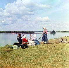 Lunch on the mowing, 1909 by Sergey Prokudin-Gorsky, via Flickr