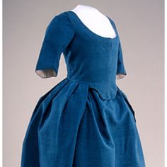 Beautiful blue velvet Robe a l'anglaise, 1775-95 US, Historic Deerfield Museum